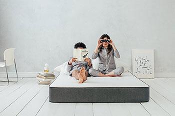 people-using-mattress