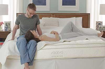 Saatva-mattress---couple-sitting